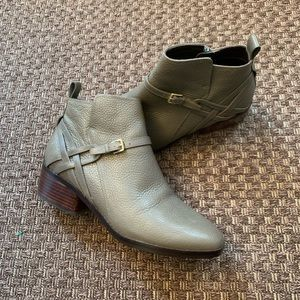 Cole Haan gray Chelsea boots like new size 10
